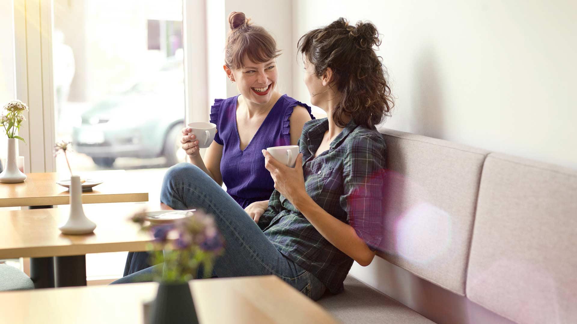 freundschaftsb nder wie sich freundschaften kn pfen lassen. Black Bedroom Furniture Sets. Home Design Ideas
