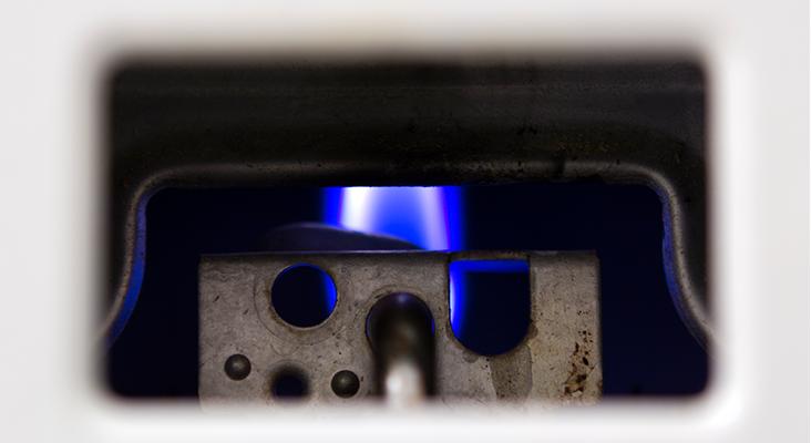 Ein klassischer Stromfresser im Haushalt: Der Durchlauferhitzer - Bild: iStock