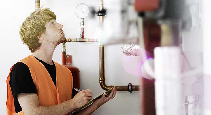 Ein Stromfresser versteckt sich oft im Heizungskeller: Die Heizungspumpe